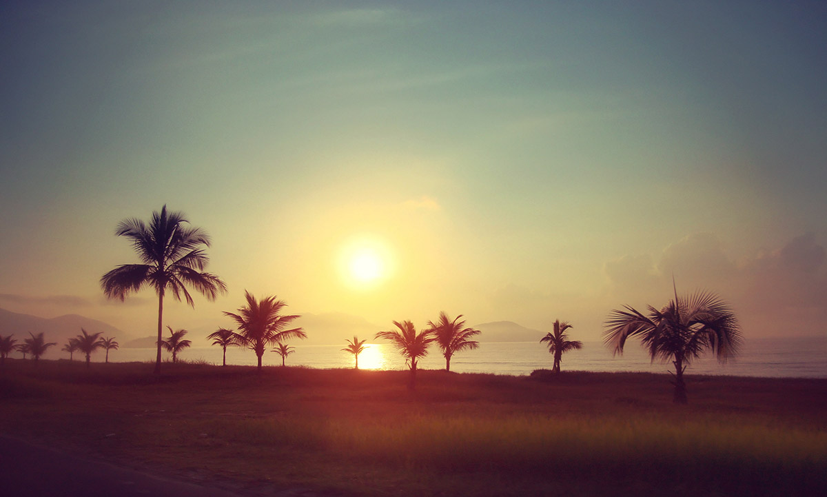 travel_sunset-at-danang_112K[1]